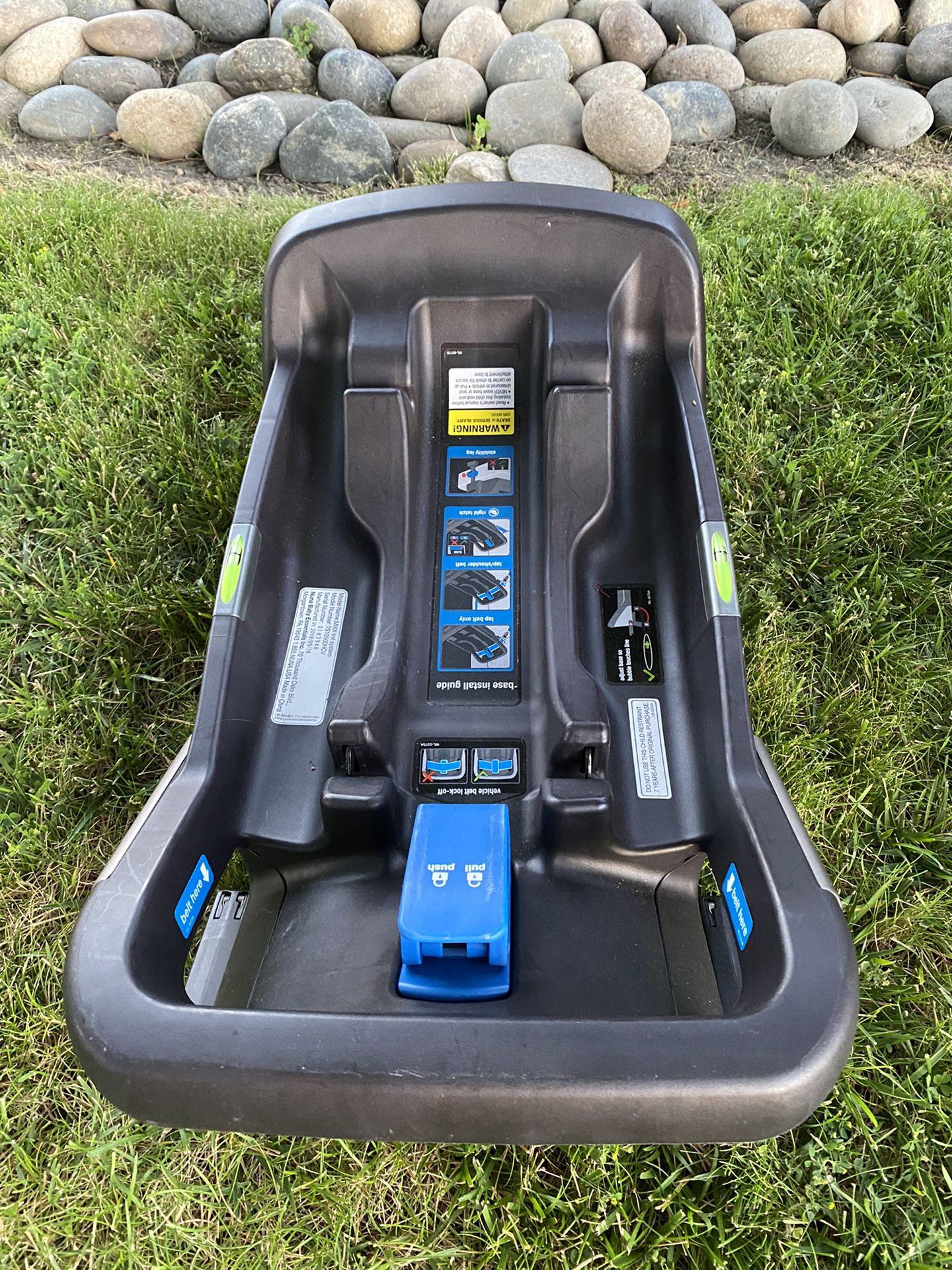 Nuna Mixx Stroller With Car Seat