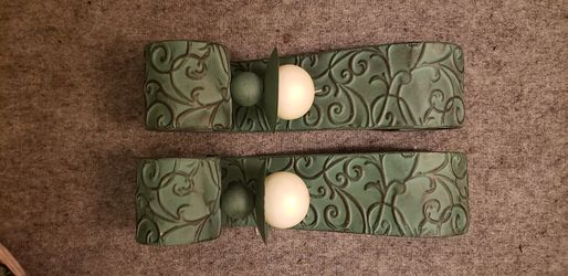 Metal Wall Sconce (Set of 2 w candles) Thumbnail