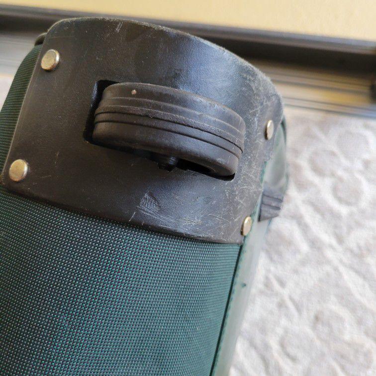 Perry Ellis Rolling Duffle Bag