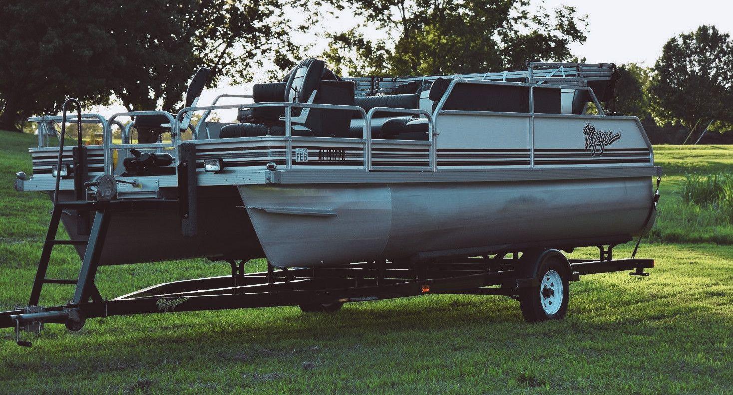 2002 Voyager SPORT Pontoon Boat 18FT
