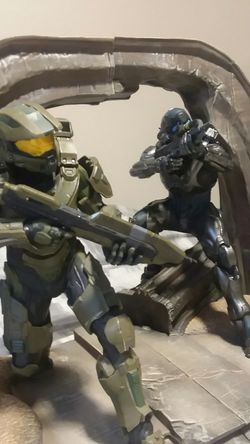 Halo 5 special edition (statue only) Thumbnail