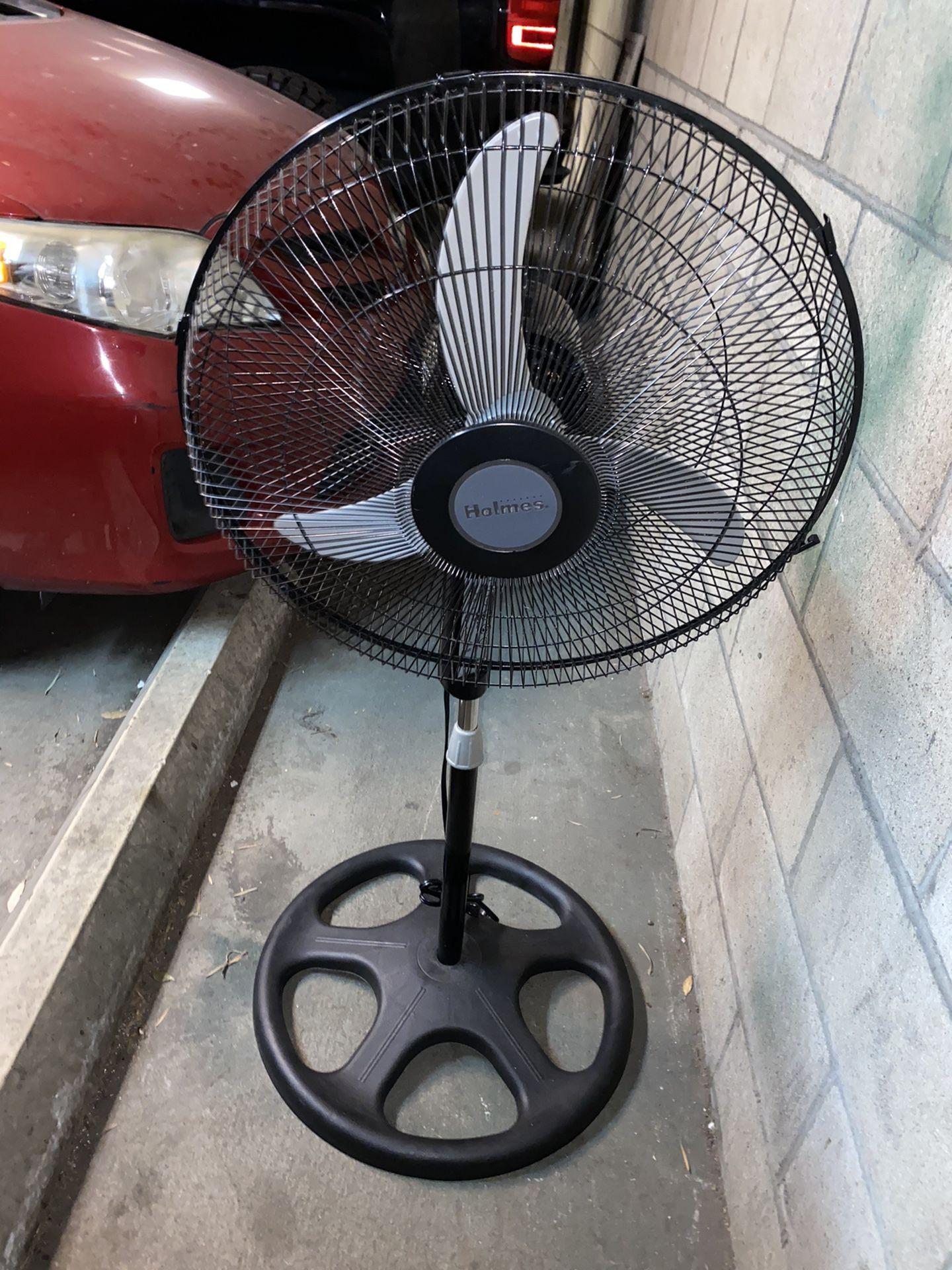 "18"" Oscillating Stand Fan"