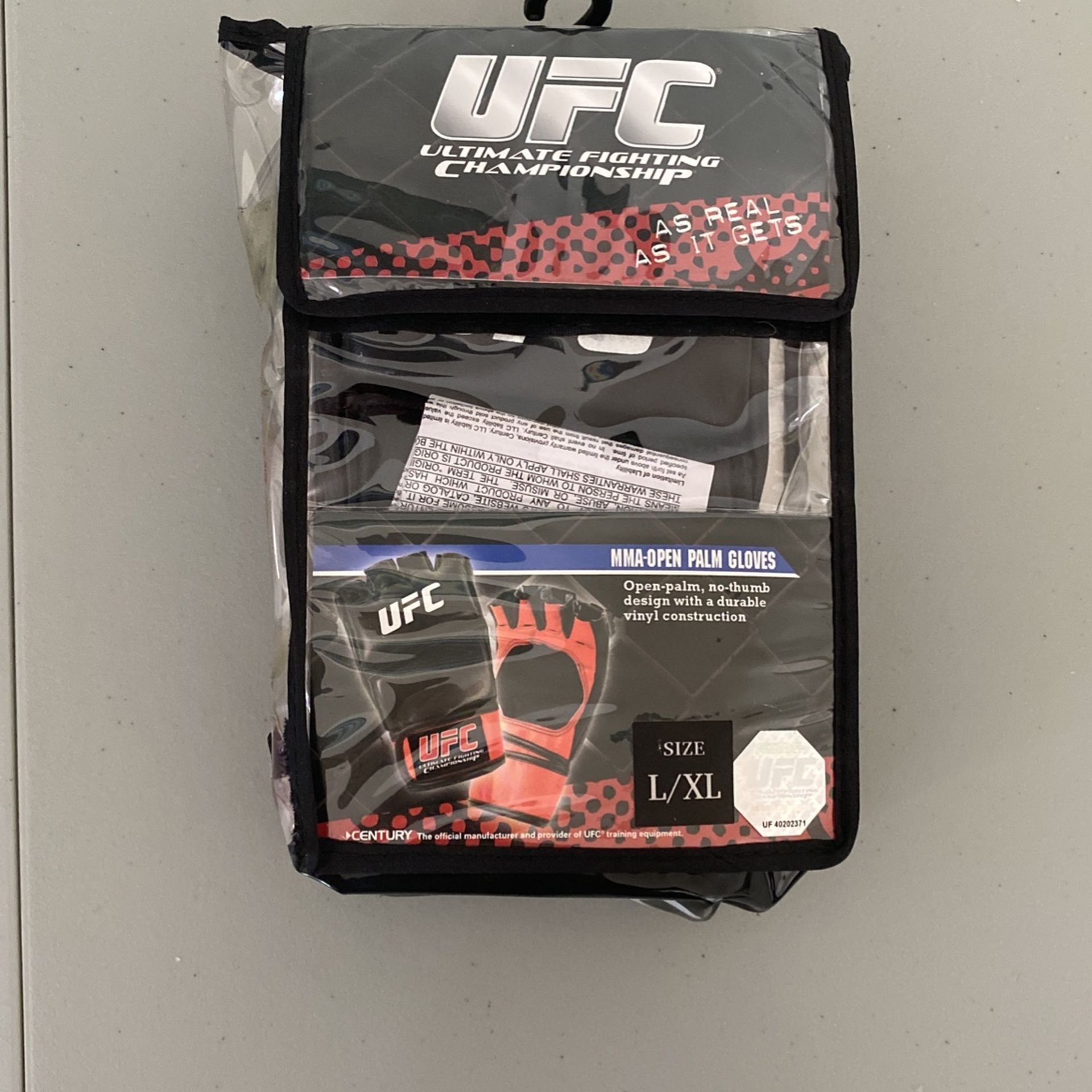 New UFC fighting Gloves Large / XL