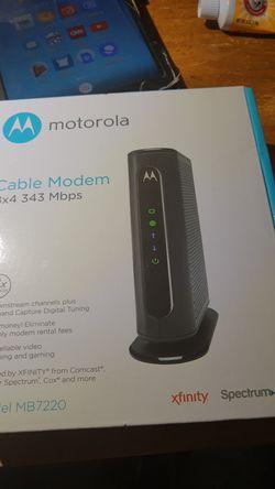 Motorola cable modem 8by4 Thumbnail