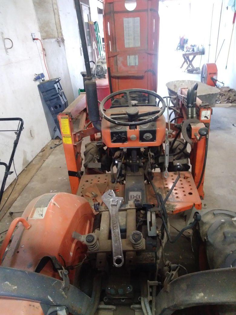 Kubota tractor 6200