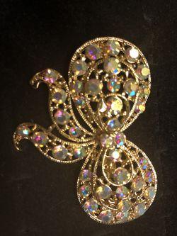 Fashion pins Thumbnail