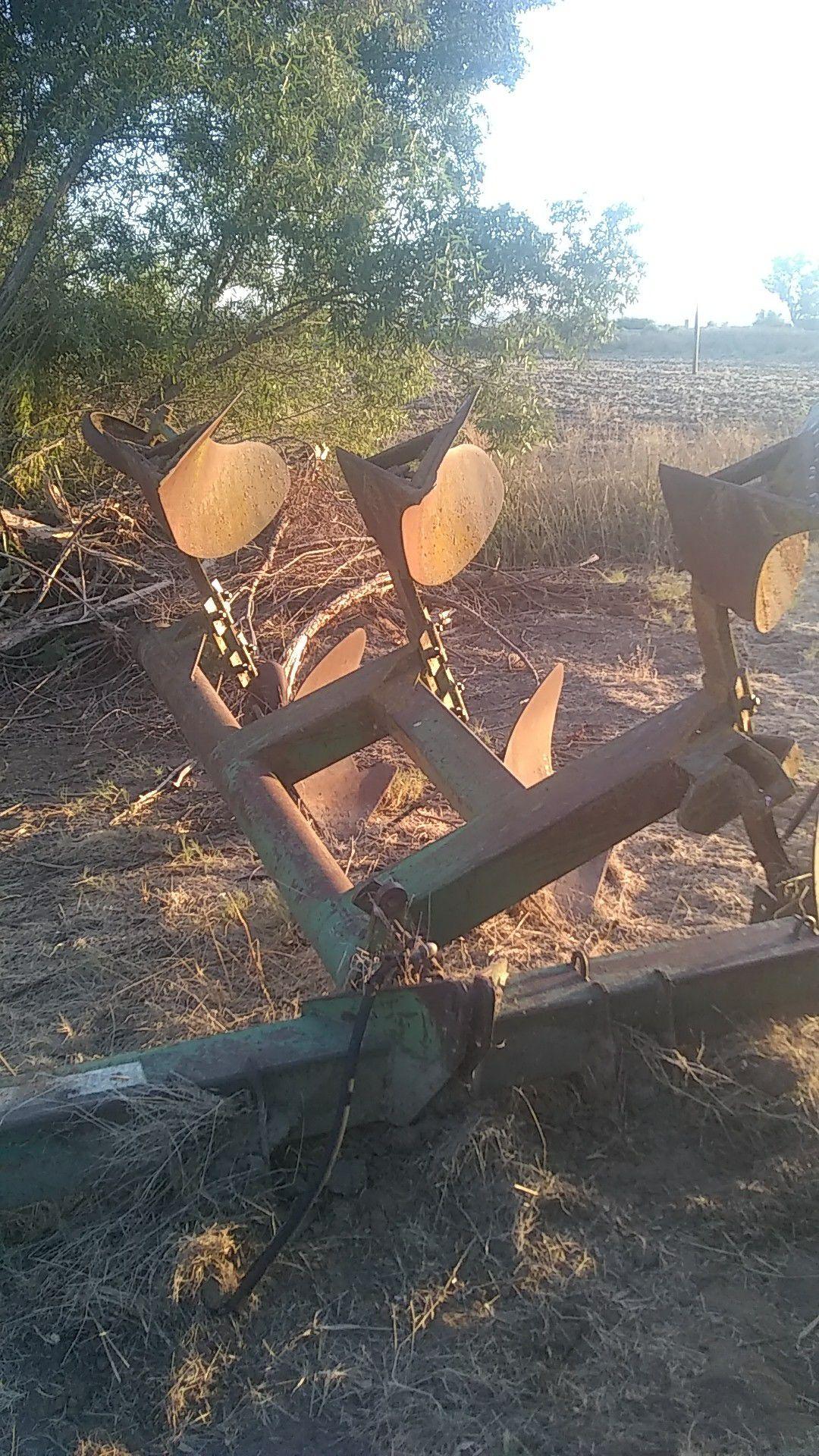 John deer tractor equipment