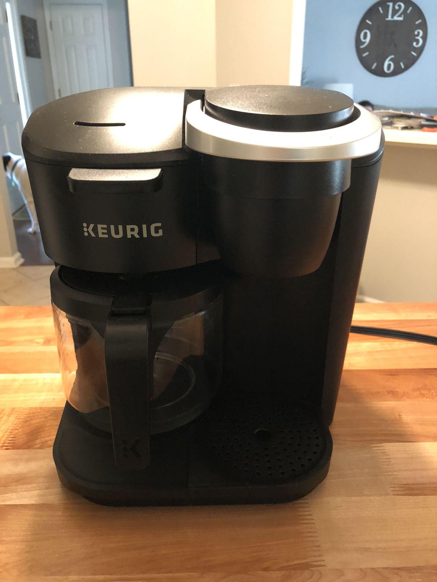 Keurig K-Duo Essentials & K-cup holder