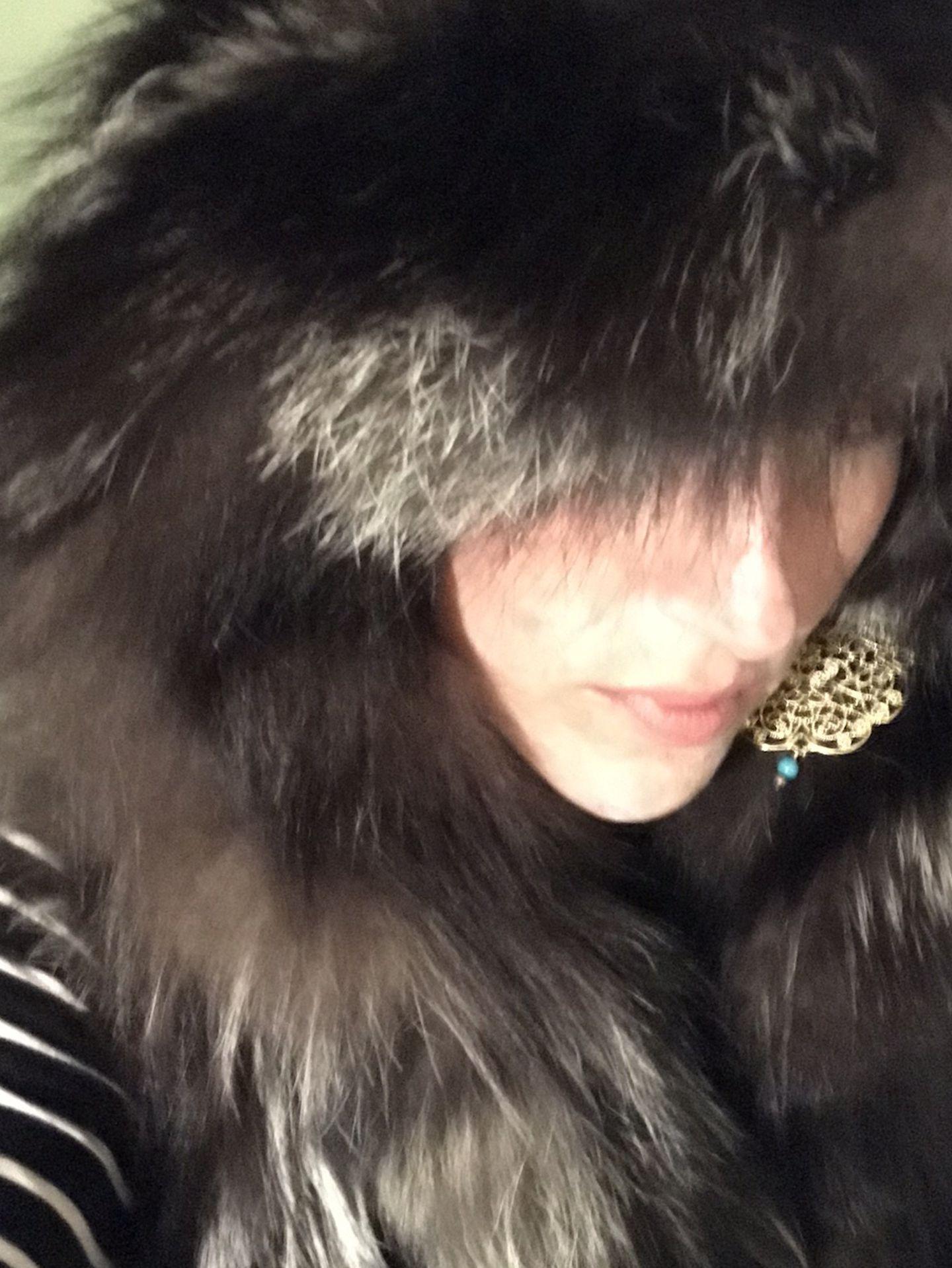 Winter Is Coming! $200 Obo Overland Fur Hoodie Vest Black/Silver Womans M