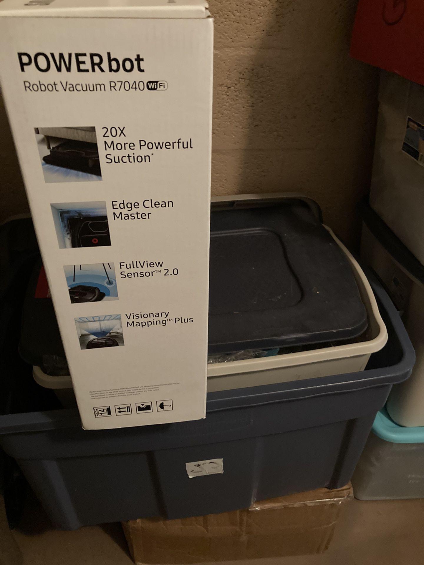 NEW Vacuum Samsung Powerbot R7040 Robot