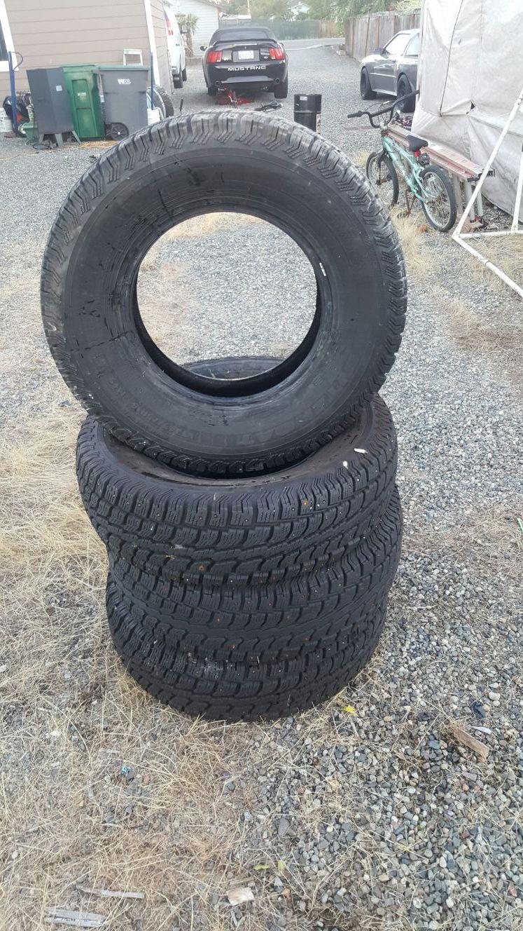 Wintercat radial sst snow tires 16in