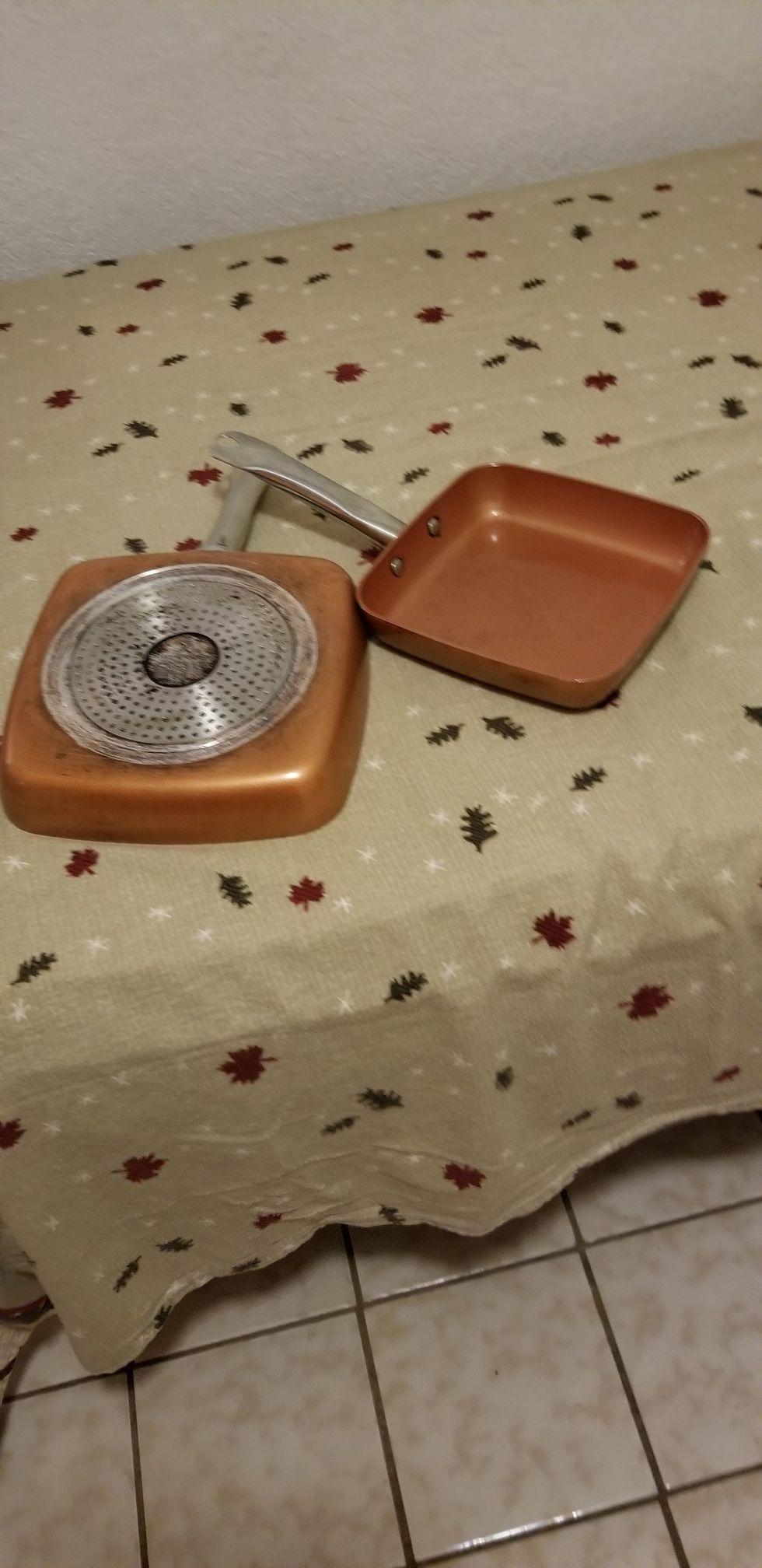 Vendo dos saltenes usados marca Copper chef cuadrados uno 8 in. Y otro 9.5 in