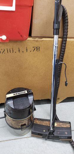 Rainbow SE Vacuum Cleaner. No Attachments Thumbnail