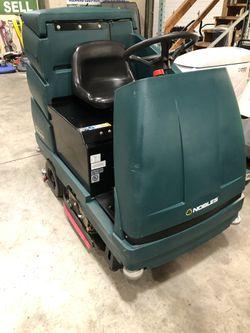 Nobles EZ Rider floor scrubber Thumbnail