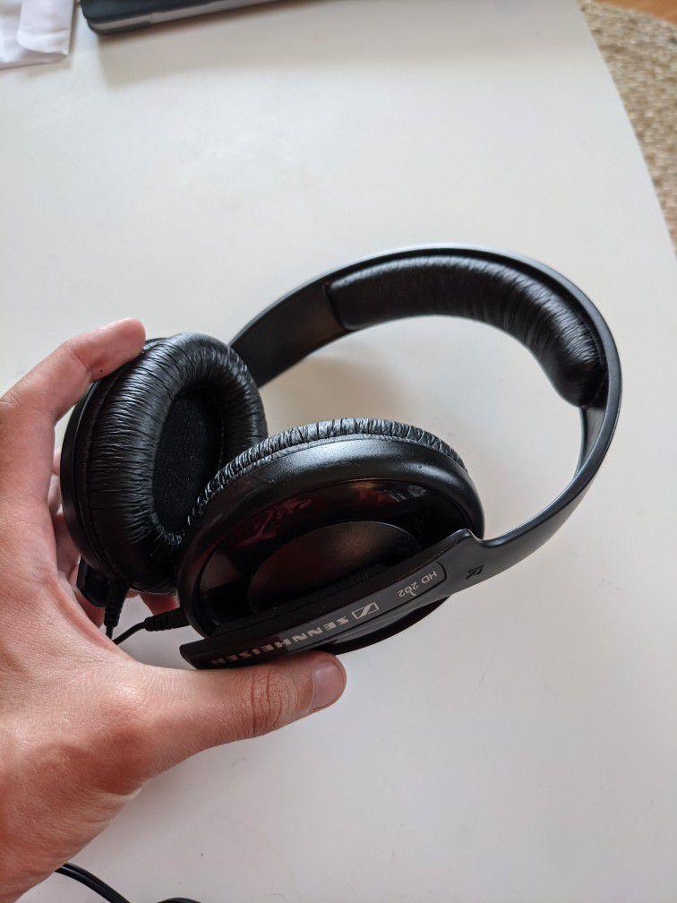 Sennheiser HD202 Wired Headphones