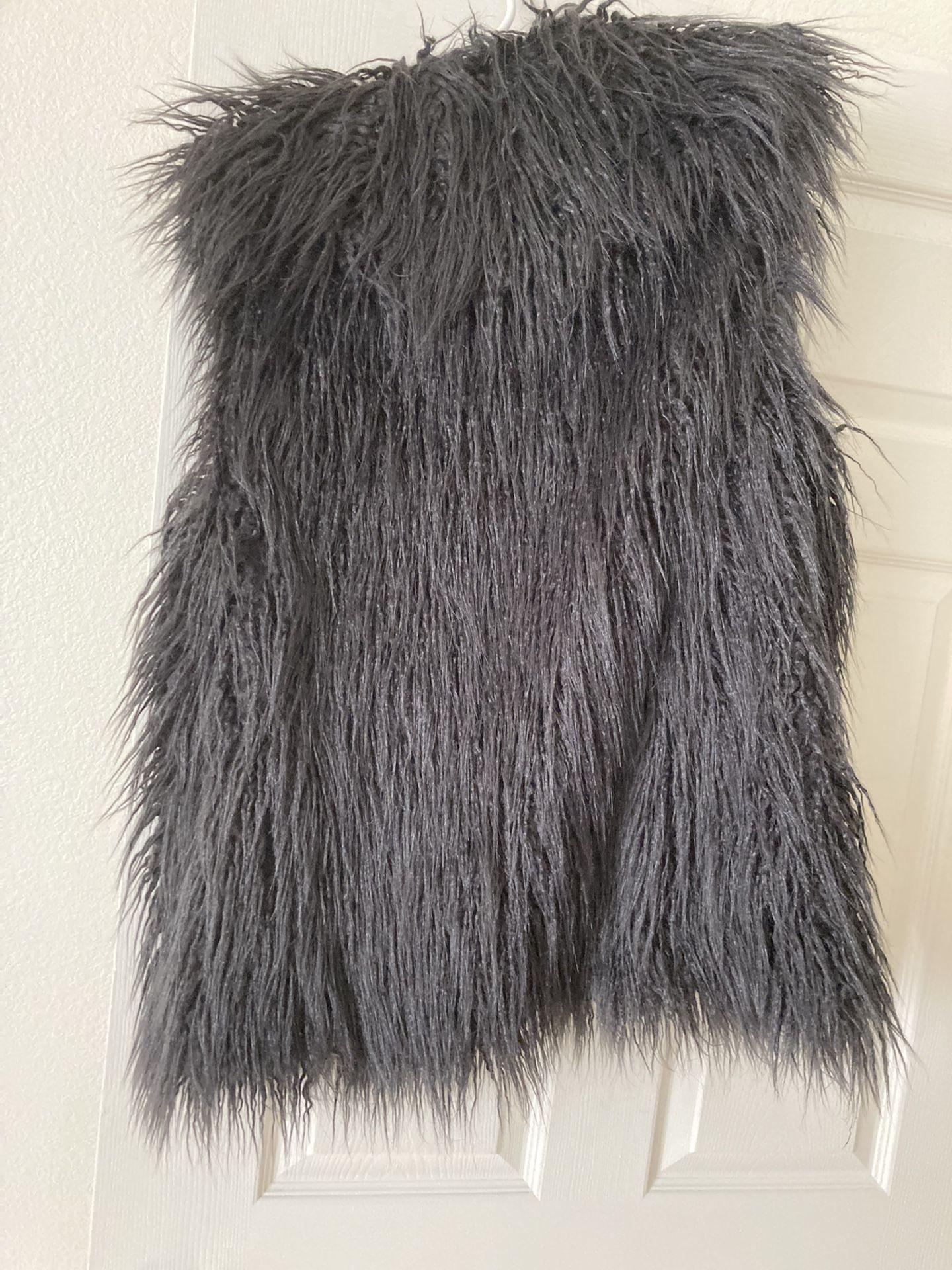 Women's Size Lg Halston Faux Fur Vest(New) Tags