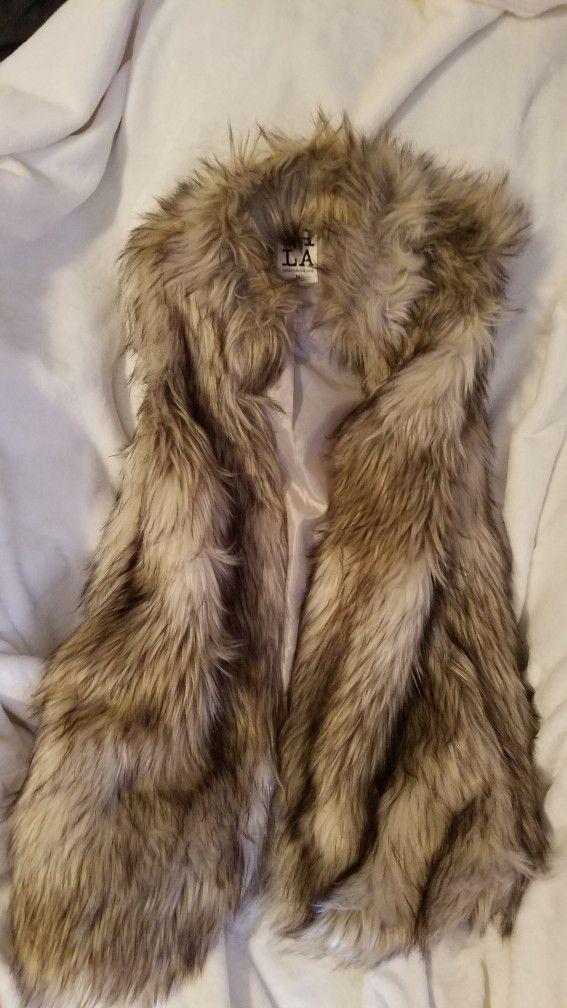 Luxury Faux Fur Vest! Size Medium