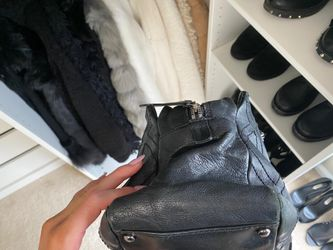 Chanel handbag Thumbnail