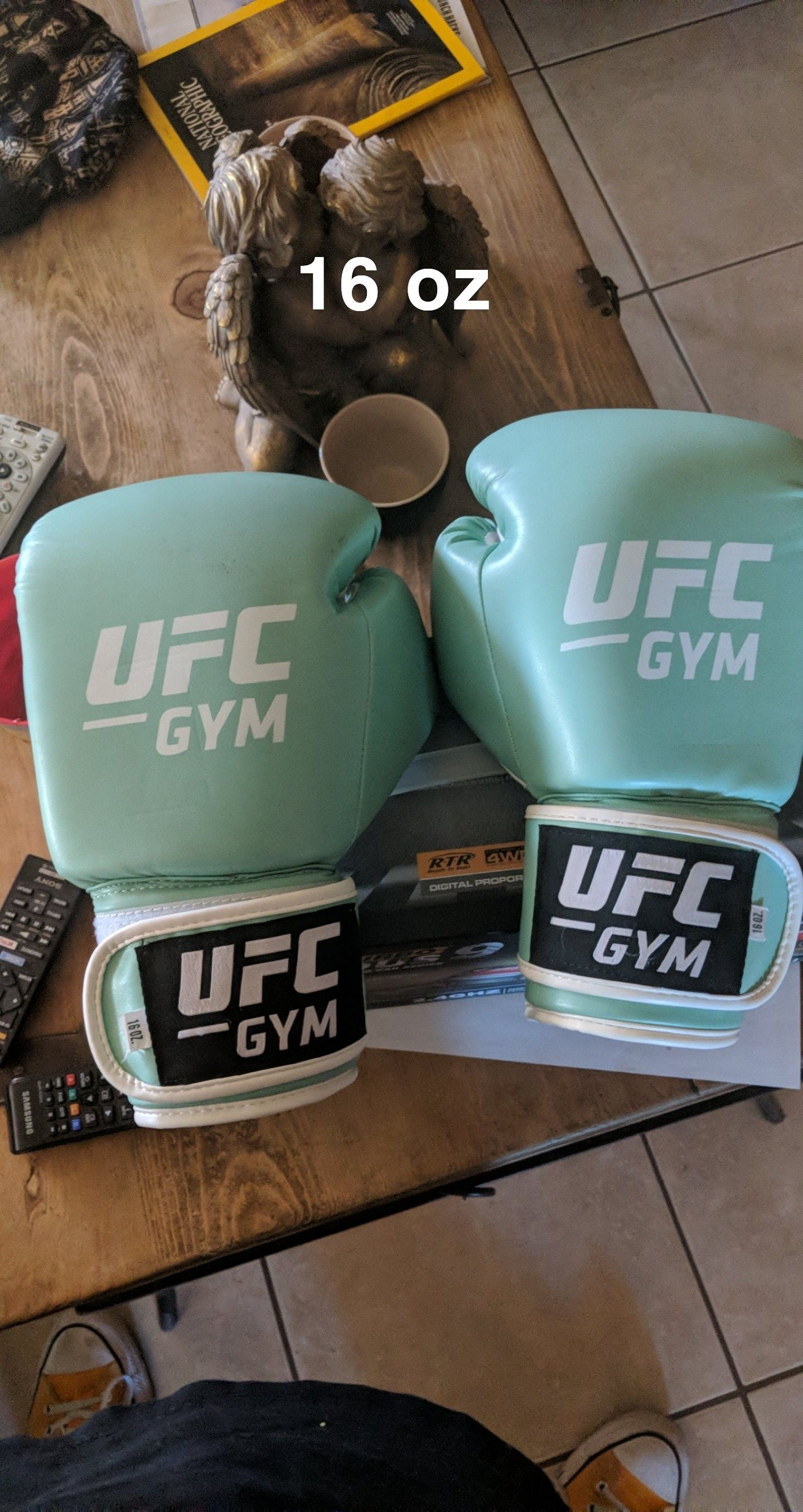 16oz UFC Gloves, lightly used