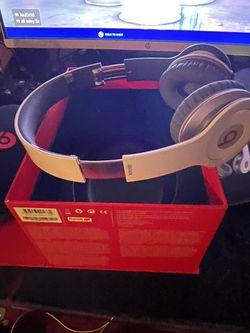 Beats Solo HD Thumbnail