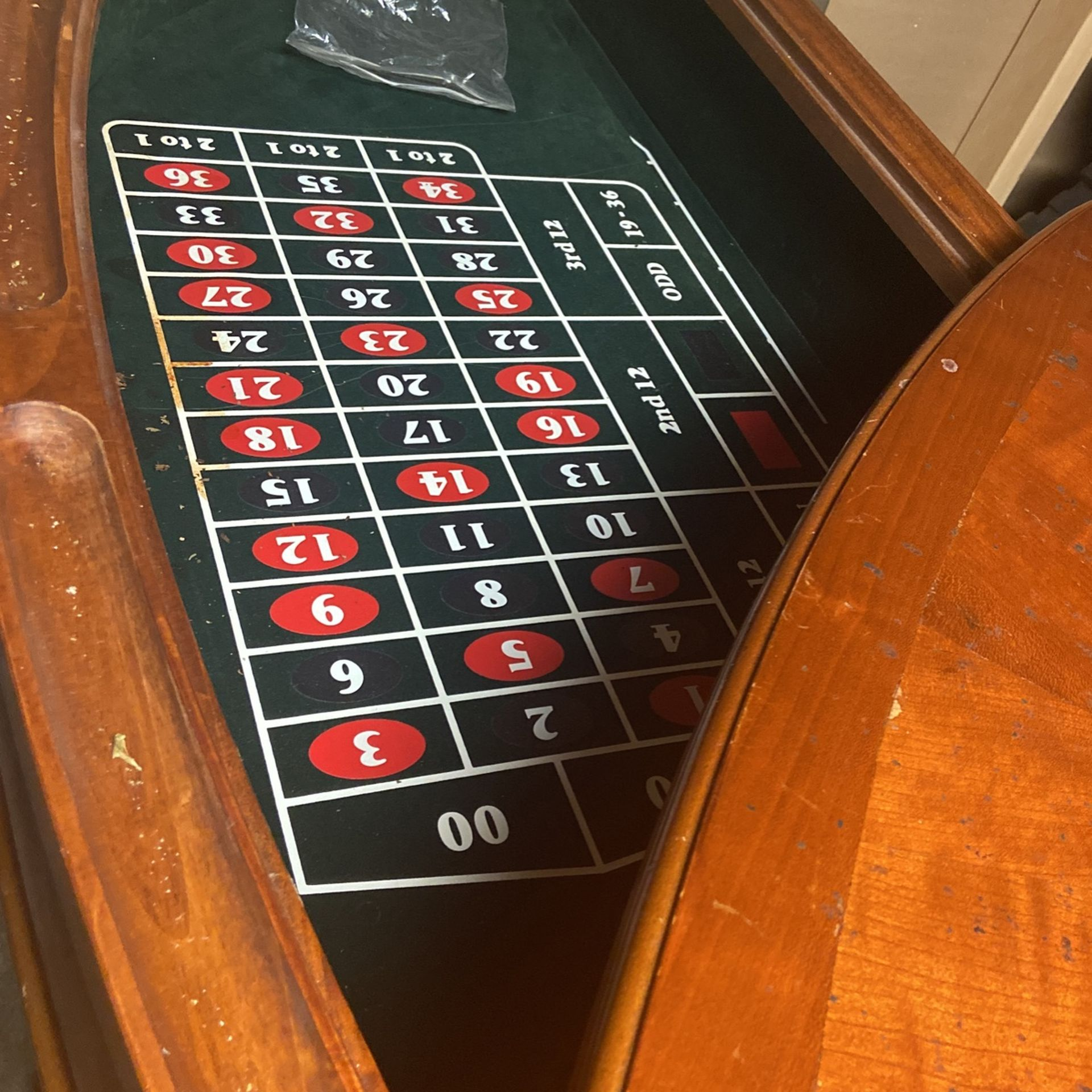 Free Standing Bar And Game Table