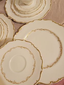Royal Doultan Full Set Of Fine Bone China Thumbnail