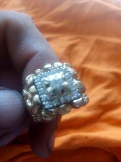Anillo De Oro 14 Kilates  Con Diamamantes  19 Gramos  Thumbnail