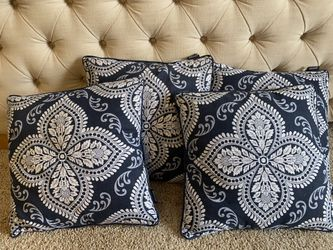 Navy blue Throw Pillows Thumbnail