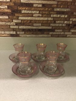 5 TEA CUPS WITH MATCHING PLATES Thumbnail