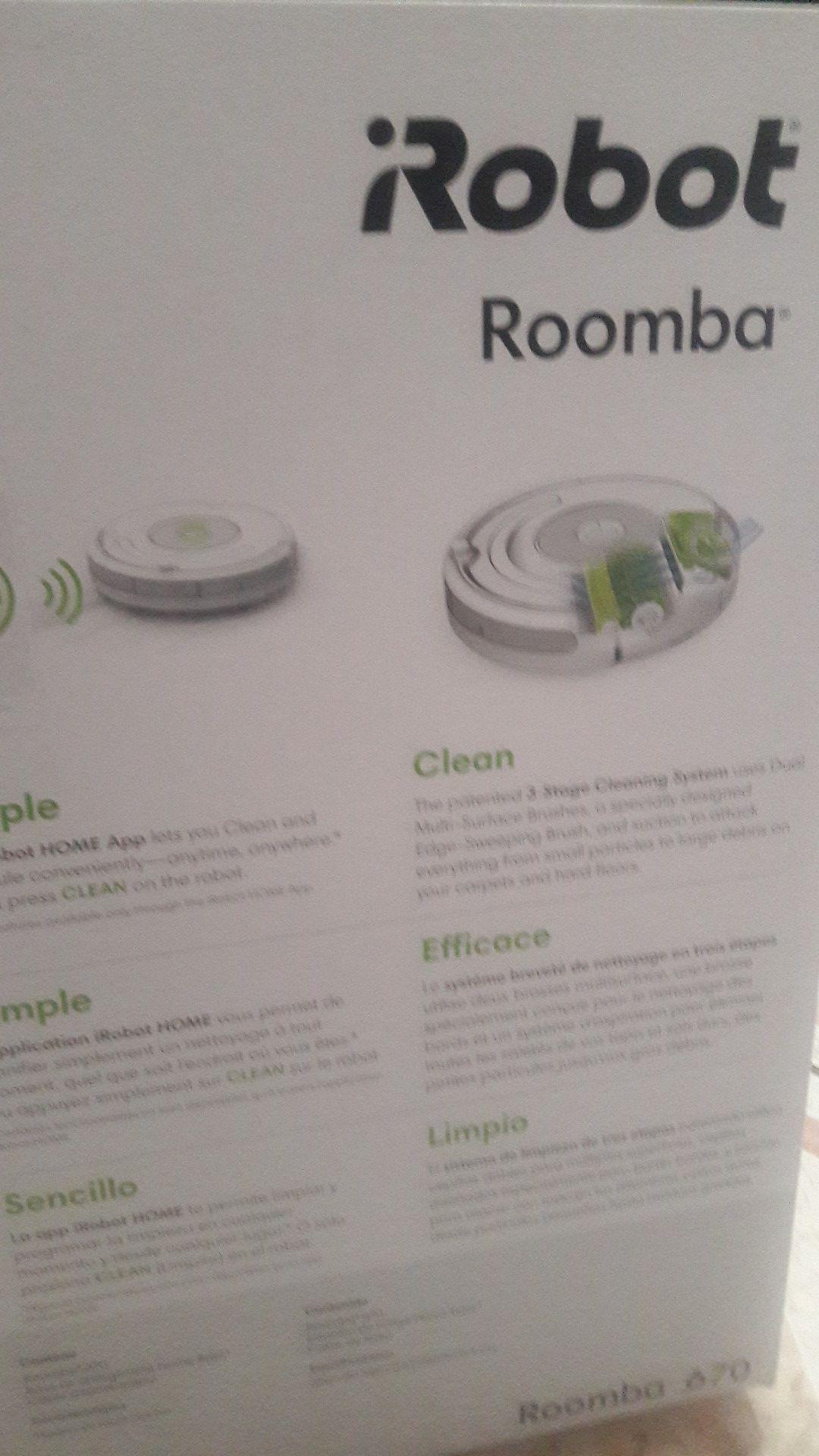 iRobot , Roomba 760 Robot Vacuum