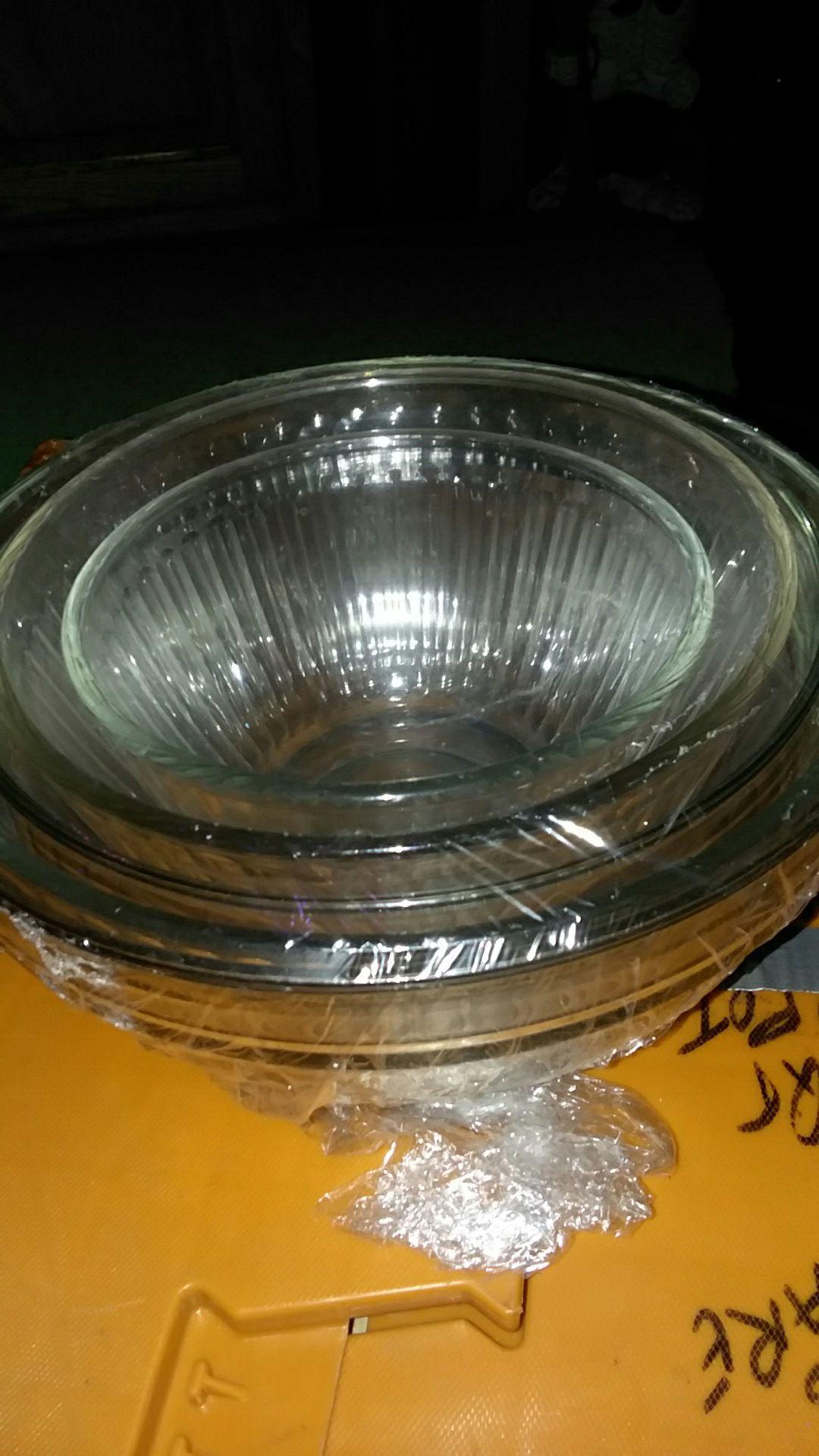 4 pc. vintage PYREX bowl set