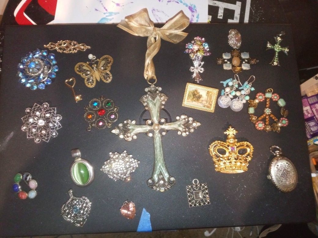 Broach And Pendant. Costume Jewelry Lot