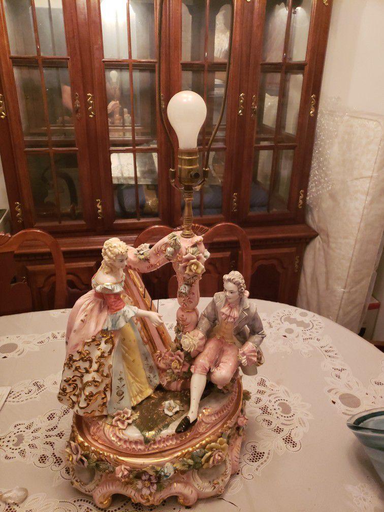 Vintage Victorian Capodimonte Lamp