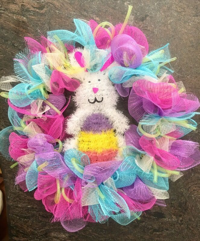 Deco mesh Easter bunny wreath - large