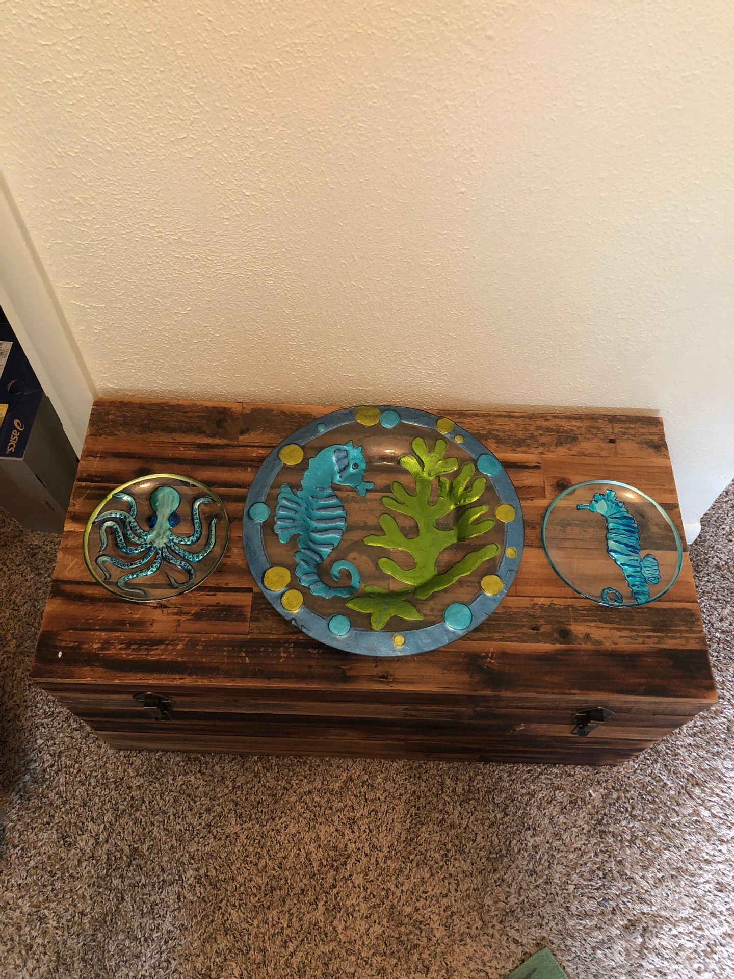 Decorative nautical plates