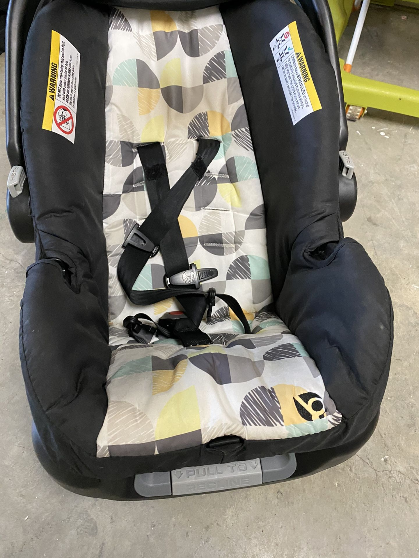 Baby Trend Car seat With Extra Base