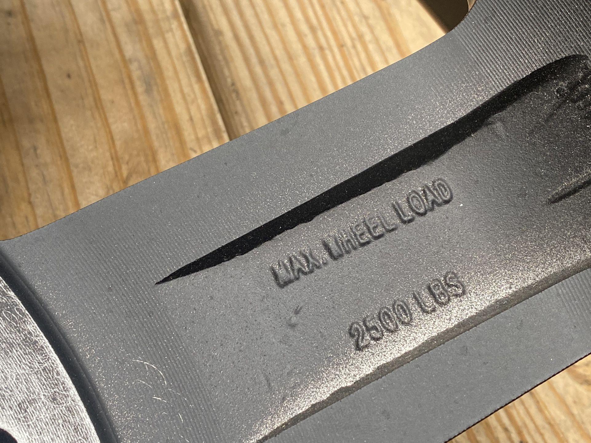 "Fuel 20"" Maverick D436 Front Dually Wheel Matte Black 20x8.25 8x210 +122mm 9.41"