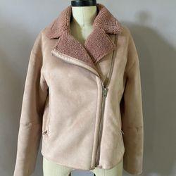 Zara faux shearling jacket size Medium. Dusty pink color  Thumbnail