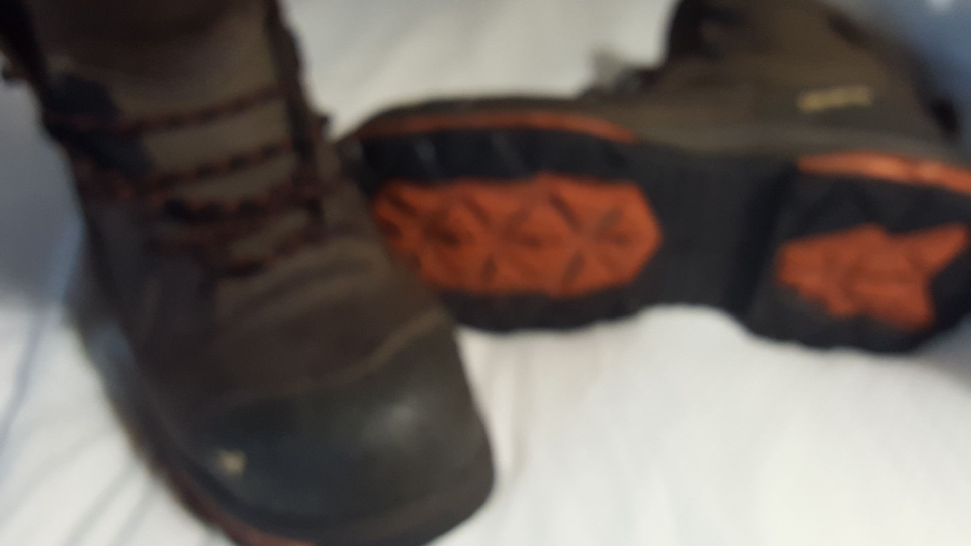 Size 9.5 reg width Kasota RED WING work boots composite toe, waterproof, used for 5day.