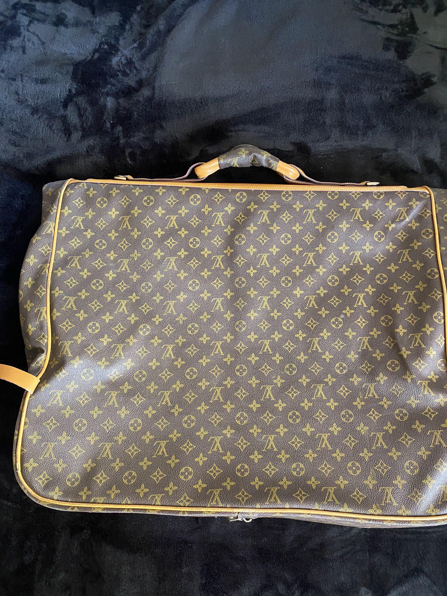 Louis Vuitton Garment Cover