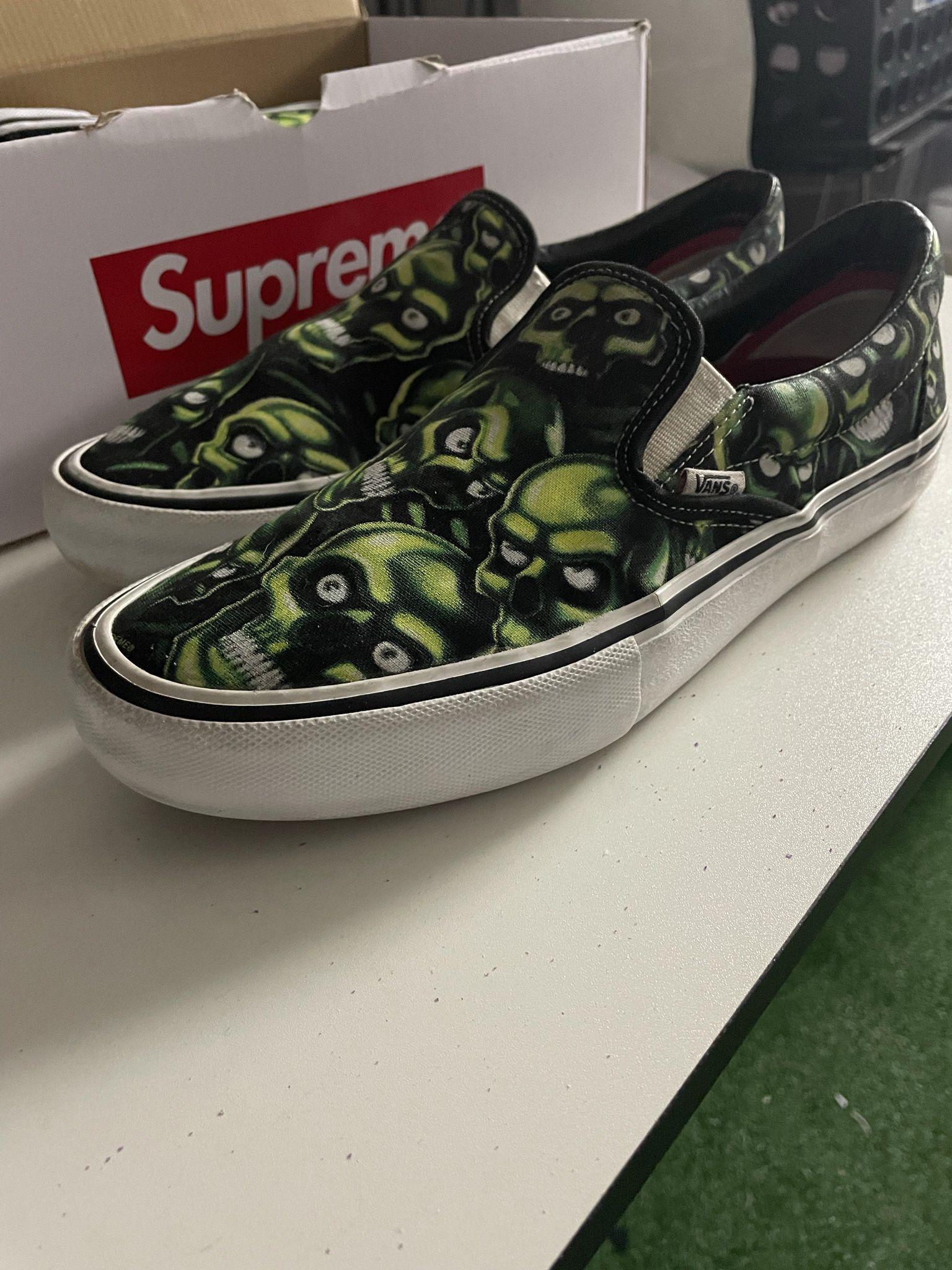 Supreme Skull Pile Vans (SZ9.5)