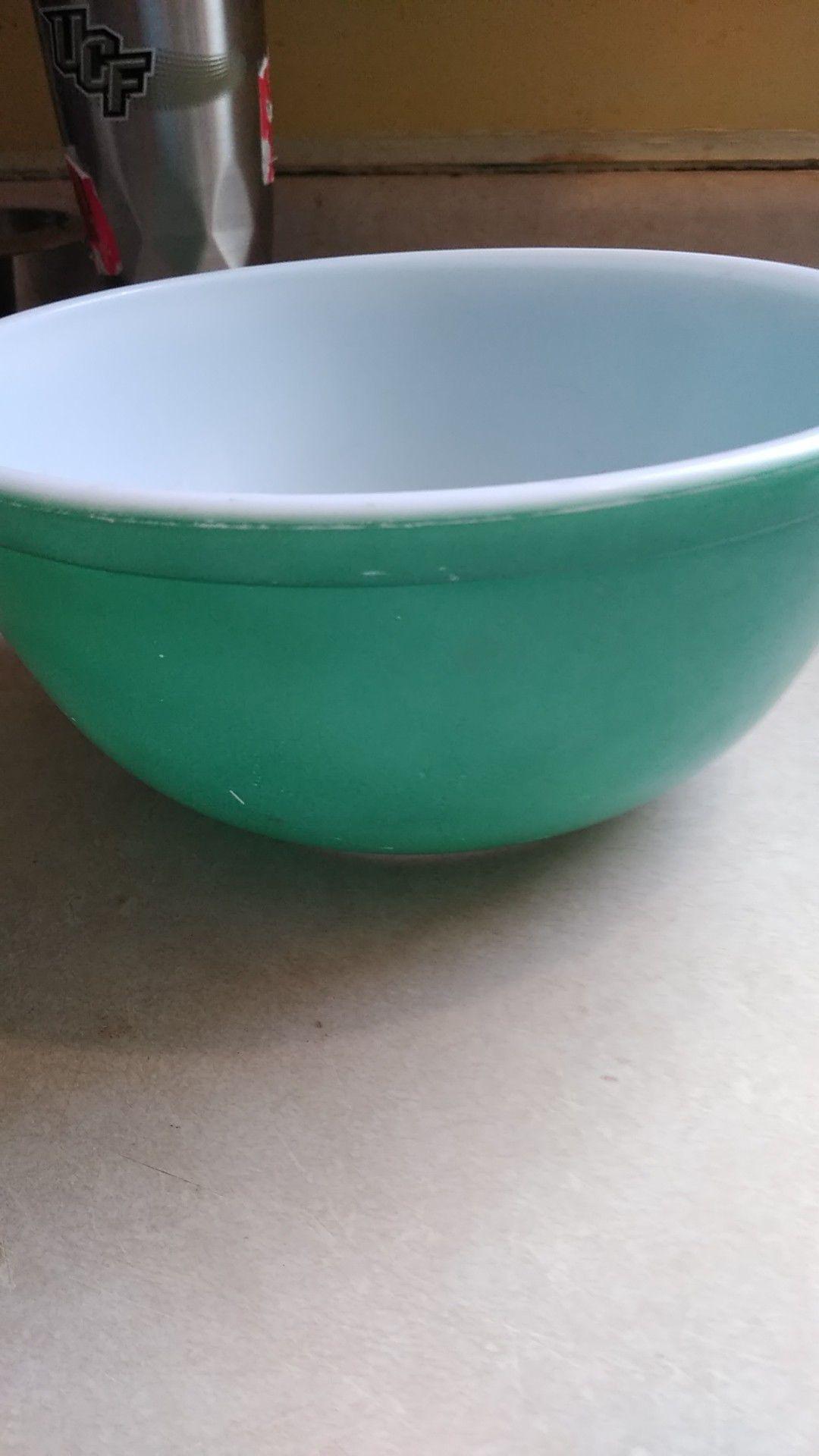 Medium size 403 Pyrex green bowl