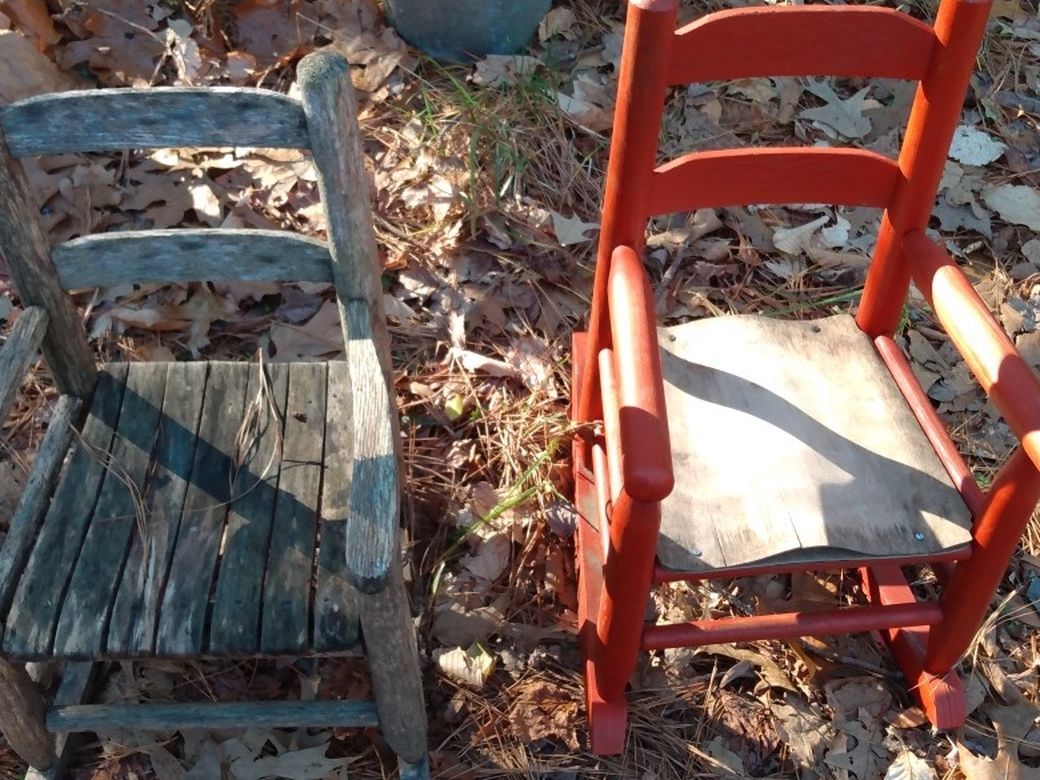 2 Small Rocking Chairs