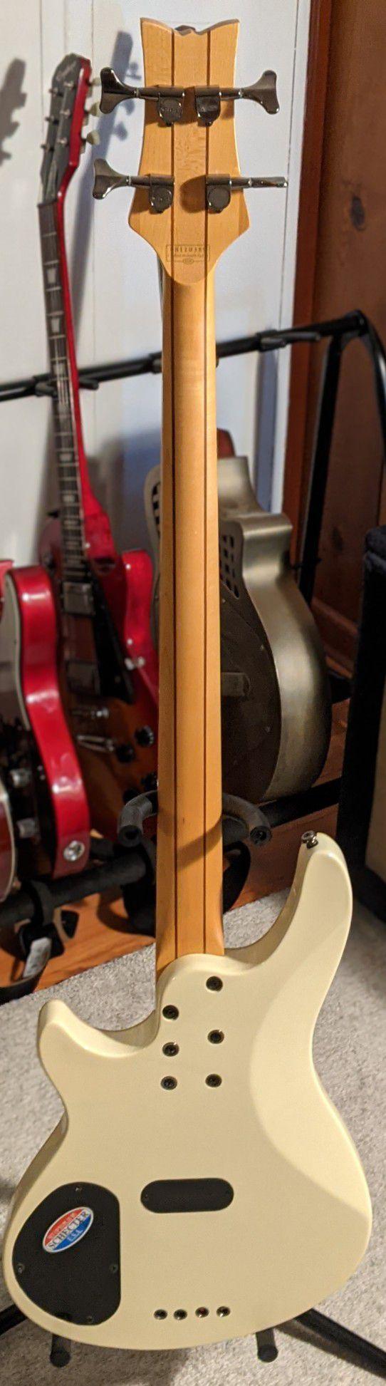 Schecter Diamond series C-4 Custom Bass Guitar