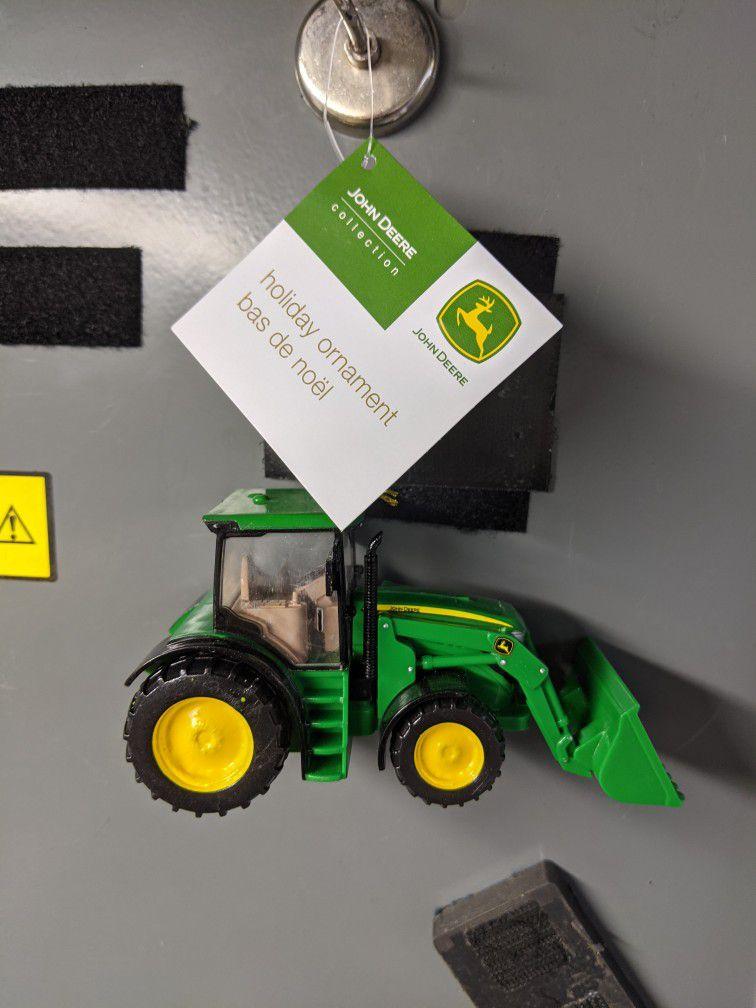 John Deere Tractor Ornamert