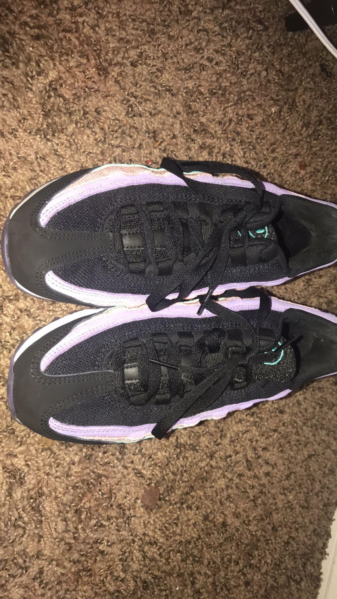 Nike Air Max 97 (size 7y)