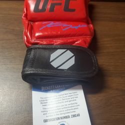Kevin Holland Signed UFC Glove Thumbnail