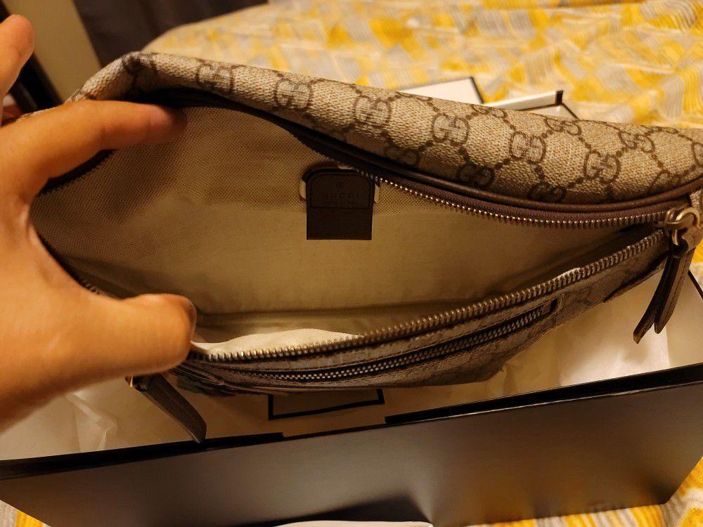 Gucci courrier gg Supreme belt bag