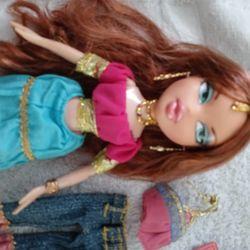 Bratz Genie Doll Megan With Extra Outfit Thumbnail