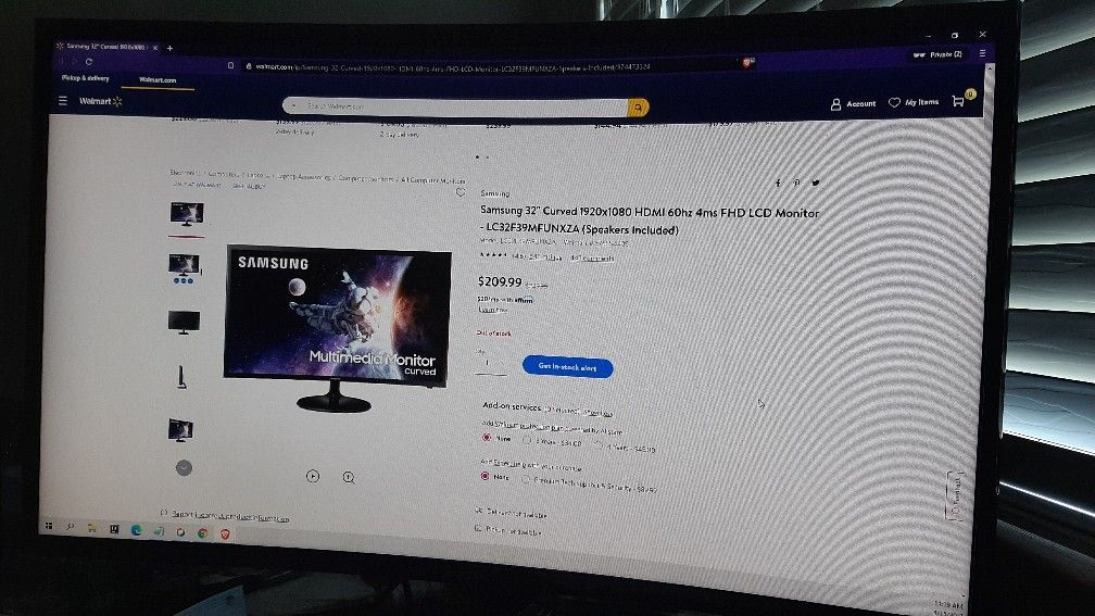 Samsung 32inches Curved FHD Monitor : Shoot me an offer